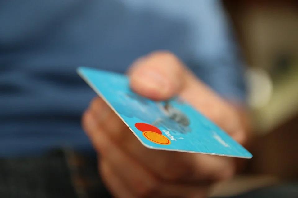 So können Sie die Raiffeisenbank Classic Card beantragen - Infos & Tipps